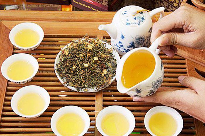 Pha trà mát gan hồng sâm